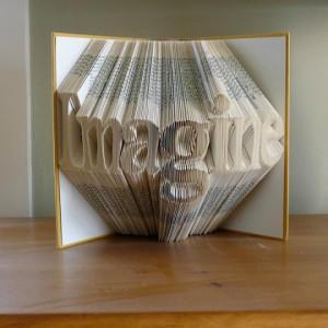 Una scultura di Luciana Frigerio