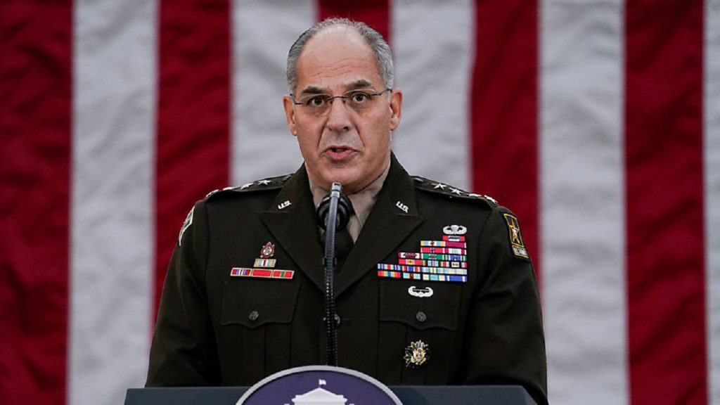 Il generale Perna (AP Photo/Evan Vucci, File)